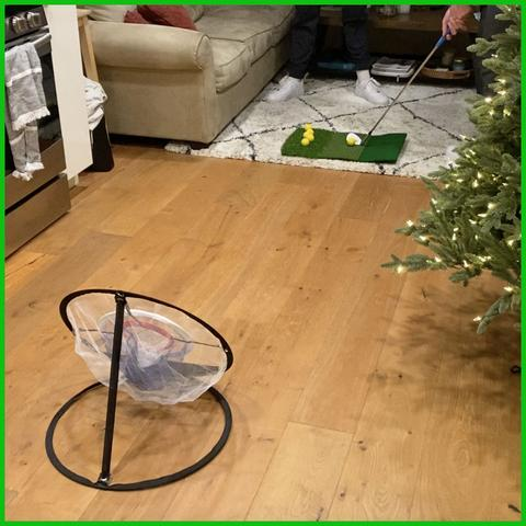 Short Game Store Two Friends Playing Indoor Chipping Net