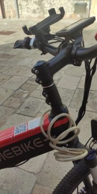 Upright Handlebar Raiser (One Size Fits All) - air-saddle photo review
